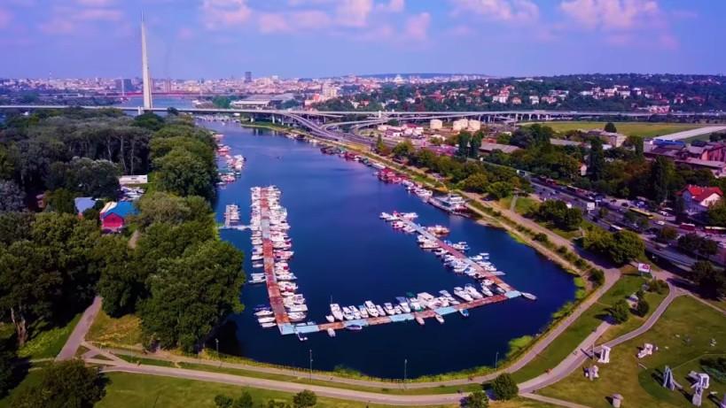 Iznajmite automobil i posetite beogradska jezera, mesta za beg od stvarnosti